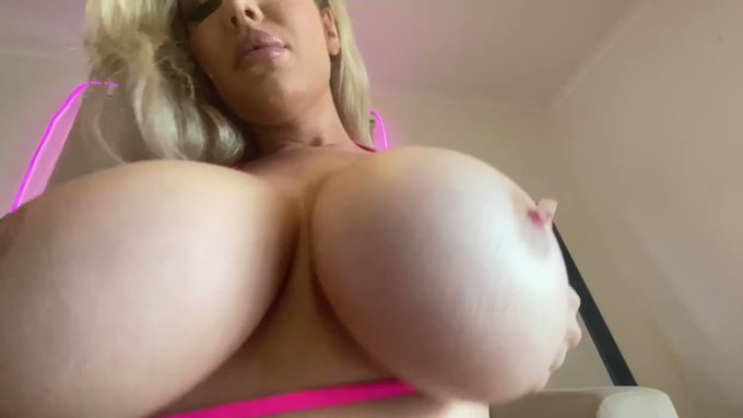 New anal with @thesavannahbond available NOW at https://t.co/ovD67DQmP3 https://t.co/UDD6QJEv9H