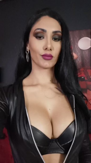 the camsite you can find me online right now  🔥https://t.co/K9E9lSRNEm as AlexyaBukovsky  #RT #joinme