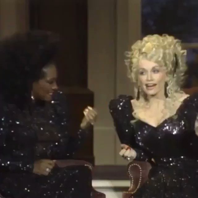 Replying to @singfromthehair: Patty Labelle and Dolly Parton harmonize with each other and their acrylic nails 💅 😍