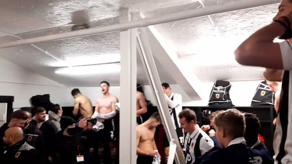Non-league Chorley celebrate knocking Wayne Rooney's Derby out of the FA Cup by belting out a bit of Adele 😂👏  (via @chorleyfc)
