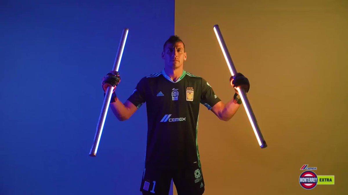 ¡Listo nuestro XI para debutar en el Clausura 2021, presentado por @CementosCEMEX! 👊  #TigresEnQatar 🛫#EstoEsTigres 🐯