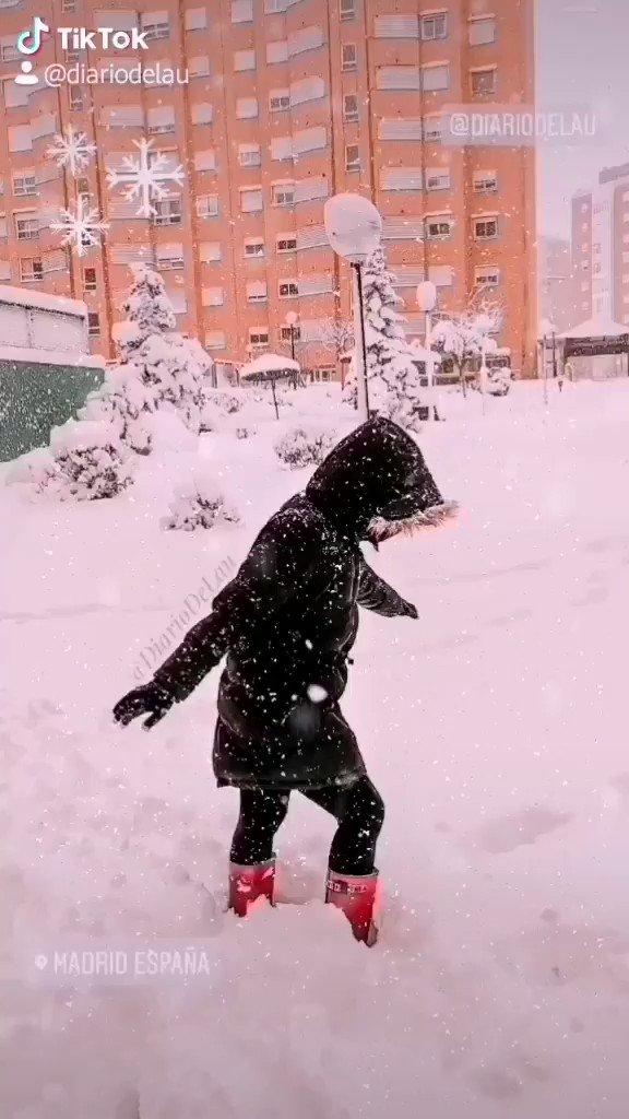 ❄️ ❄️  ___ #Madrid #MadridNevado #MadridBajoLaNieve #quedateencasa #Apocalipsis #nieve #Filomena #spain #espana #FelizDomingo #HappySunday
