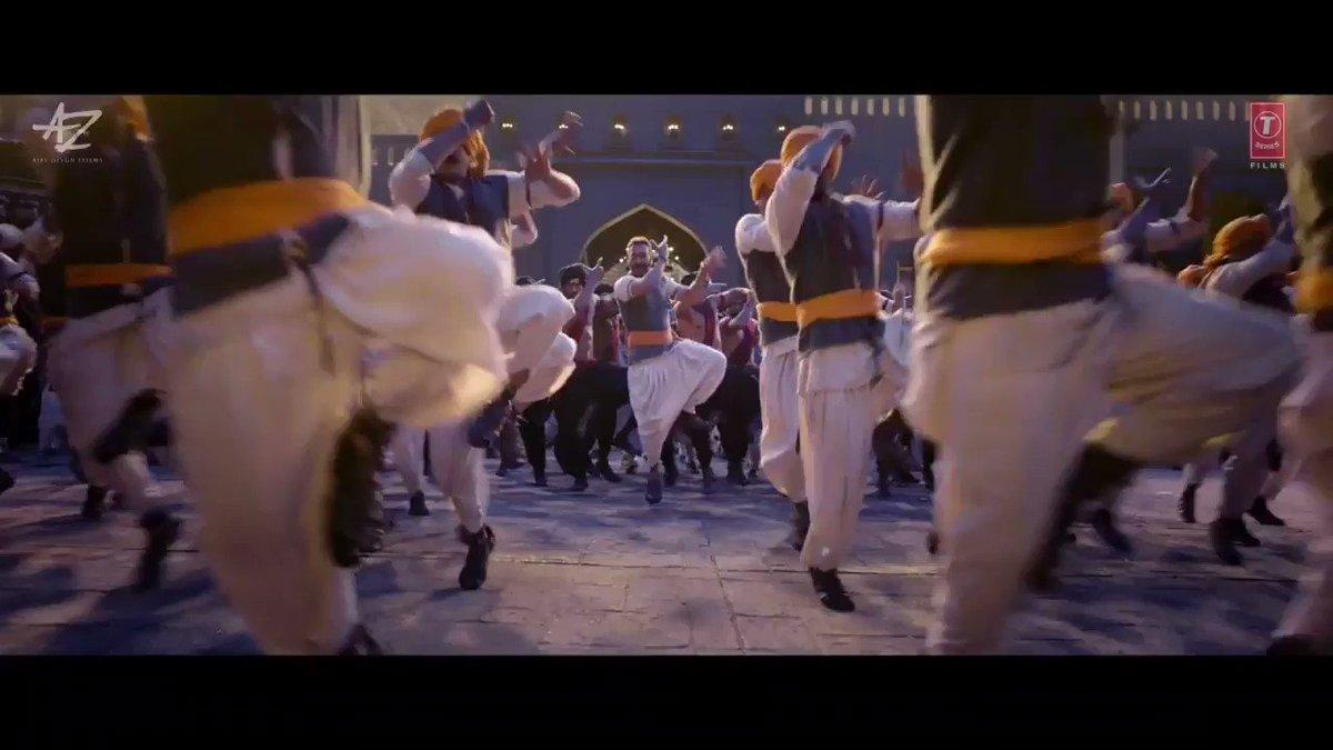 Only movie in the history of Bollywood to get BLOCKBUSTER verdict in 3 way clash @ajaydevgn  MASS MAHARAJA OF BOLLYWOOD #1YearOfTanhaji जब तक कोढाणा पर फिर से भगवा नहीं लहराता, हम जूते नहीं पहनेंगे। - जीजाबाई  1 YEAR OF HISTORIC TANHAJI