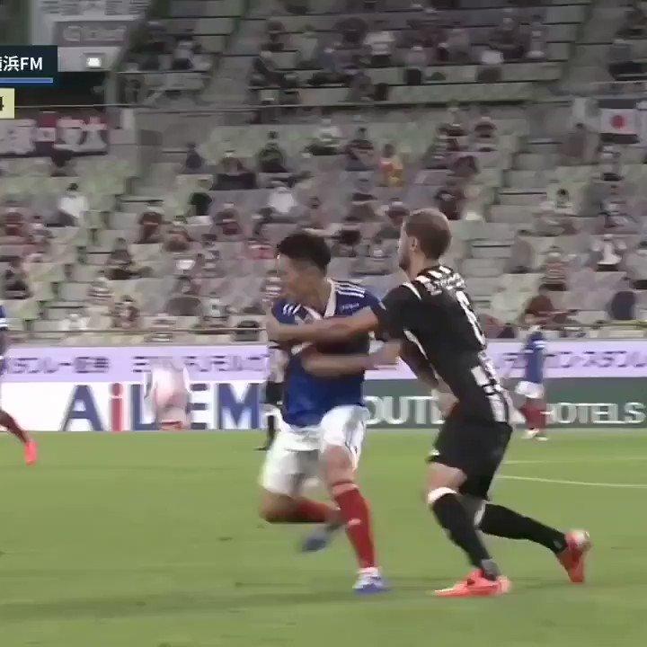 That move with the ball 🔝😍 #ヴィッセル神戸 #WeAreKobe #sergisamper  #vamosvissel #KobeForeverForward  #noevirstadium #セルジサンペール #サンペール