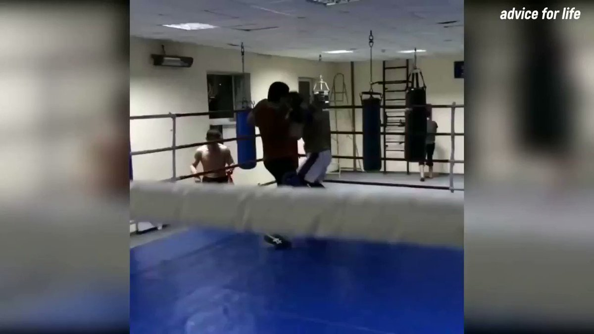 Khabib geting the better of his welterweight cousin Abubakar in sparring https://t.co/74Oi5uw6kK