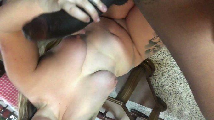 a mini mini BJ clip I couldn't really use ♥ https://t.co/JwjItAWanU