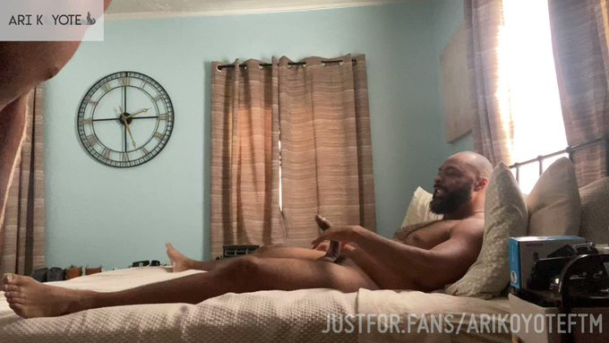 (Part ONE) I had only seen pictures, so I really had no idea HOW big @raydieselxxx's dick really was