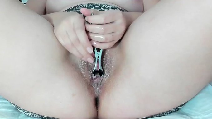 Sold my vid! Andrada - extreme peehole stretch -01/11 https://t.co/ubuczGsDkX #MVSales https://t.co/