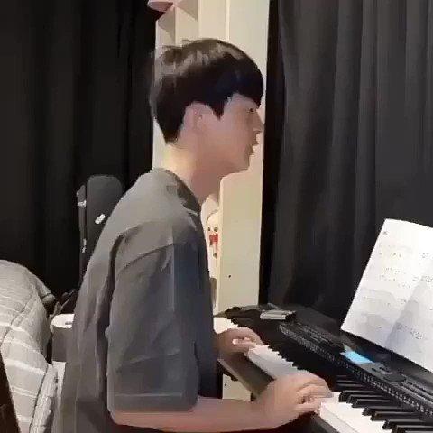 Seokjin playing piano in funny style 😂😂 . . #JIN #석진 #SEOKJIN #KIMSEOKJIN #BTSJIN #BTSARMY #jinkook #taejin #jinmin #namjin #2seok #Yoonjin #WeLoveYouJin #maplestoryforjin #AbyssByJin  #Dynamite28thWin #Actor_KimSeokjin #BTS_Dynamite #THANKYOUJIN #BTSPavedTheWay