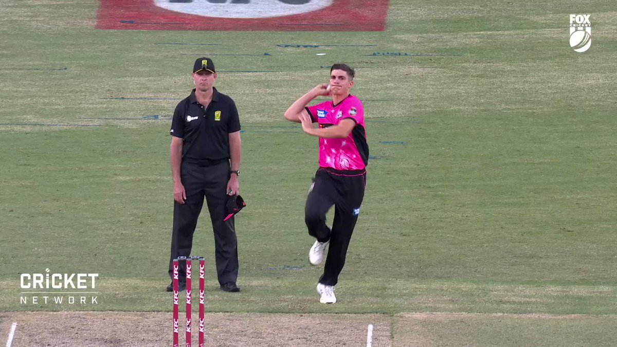 Ahead of the #SydneyDerby, which is scheduled to take place at 1:45 PM today, hear what Sixers' all-rounder Sean Abbott has to say about his #Dream11 fantasy picks ⭐  Download the app & create your teams for #BBL10 now. Visit: . @BBL