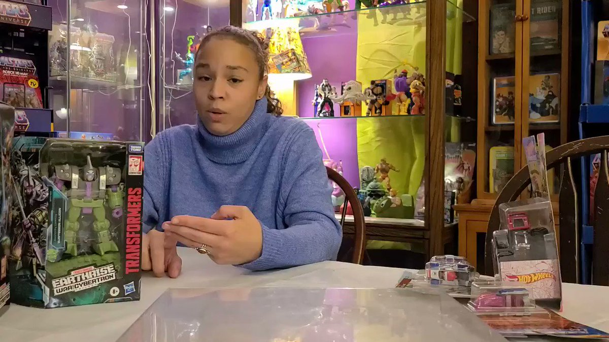 Blerd Girl Toy Talk | Check out the #mastersoftheuniverseorigins #battlearmorskeletor we found at @Target !  #youtube link in bio #subscribe #adventure #followme  #toyhunt #geekwife #blerd #geeklife #geekgirl  #youtuber #motu @Mattel  #vintagetoys #retro #toycollector PLS RT
