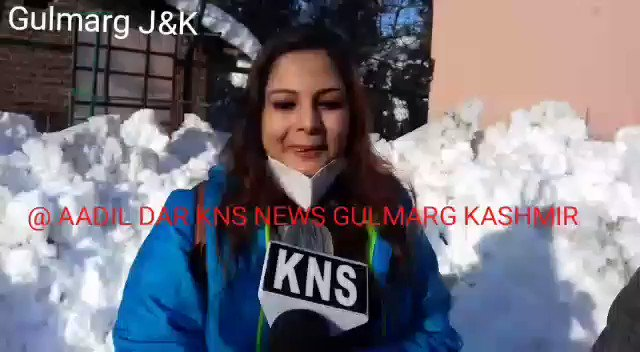 Watch//#KNS  Don't pay heed to rumours, National Media spreading fear about Kashmir, Kashmir is one of the safe place for #tourists and #visitors come and enjoy the valley especially in #Gulmarg said a Young tourist from Kolkata while talking to  @KNSKashmir @JandKTourism @diprjk