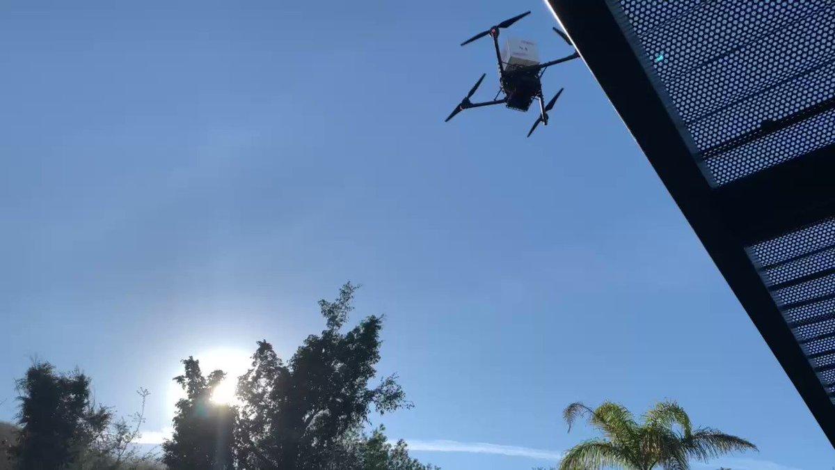 Replying to @Damonte: YOOOOOOOOOOOOO @Grubhub Hextech Chests are falling from the sky!?!?! #GrubhubPartner