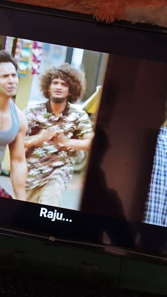 """Little Cameo of @KaranJohar...😂🤣   #CoolieNo.1  """"Another Undigested movie of Bollywood""""  #coolieno1review #CoolieNo1OnPrime"""