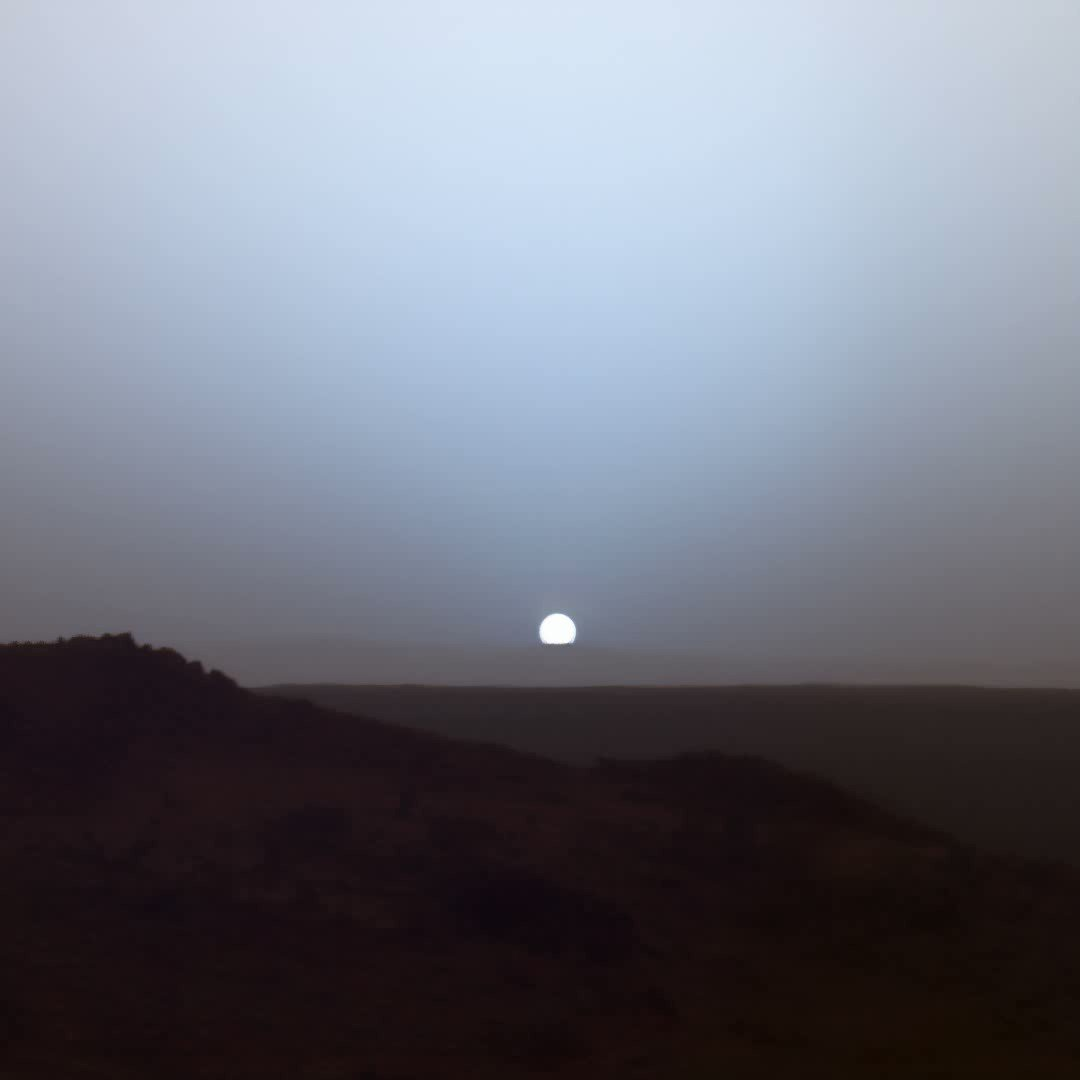 Sunset on Mars over Gusev Crater captured by NASAs Spirit rover. Credit: NASA/JPL-Caltech/Texas A&M/Cornell