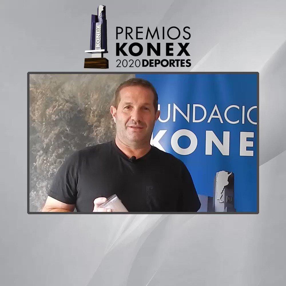 🤾♂️@Dadygallardo recibió el #PremioKonex como unos de los mejores Directores Técnicos de la última década en la #Argentina.   🏆Compartimos sus palabras tras recibir el Premio.  Aquí su biografía en nuestra web 👇   #Handball