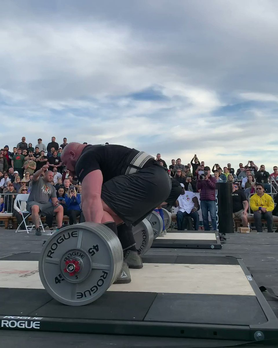 #TBT @shawstrength deadlifting 775lbs for reps one year ago at the Arnold Pro Strongman Classic in Santa Monica. #ryourogue  Re-watch the Competition: