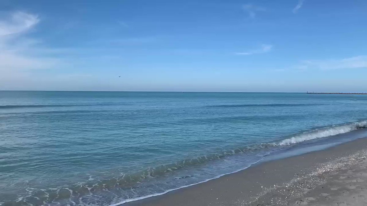 @RealSaltLife @breakingweather @accuweather The water is a beautiful color today and beach conditions are perfection! #SaltLife #florida #beach #LiveSalty #weather