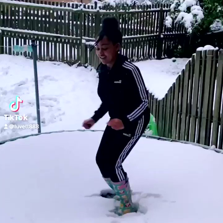 RT @creative_flare: my feel good snow vid of the day #snowday #funinthesnow #stayactive #jumpconnectors @rozinatariq1 @creative_flare @JoinUsMovePlay