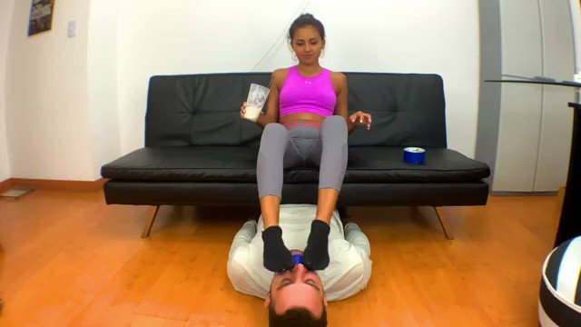 Another Item Sold! ENOLA SWEATY AND SMELLY FEET AFTER GYM - Foot Sniffing https://t.co/PyYdogm3sS https://t