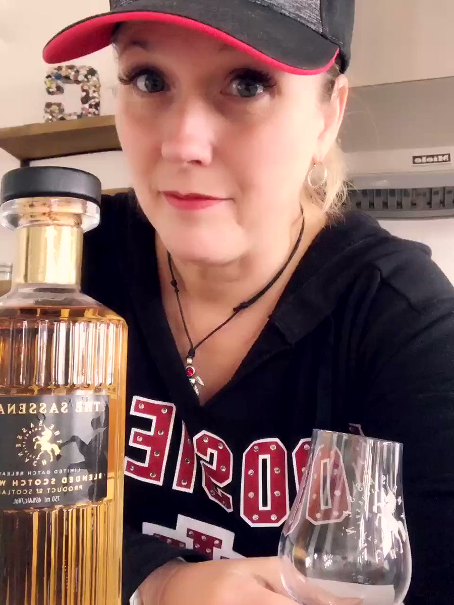 IT HAS FINALLY ARRIVED!! Just a wee sip before work...couldn't wait take a taste! I imagine a little too much could make teaching tap dance verra interesting! @SamHeughan @SassenachSpirit this is amazing! Thank you for realizing your vision and sharing!