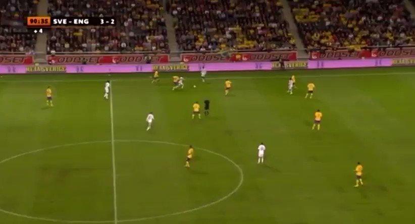🔙 13/01/2013. Zlatan Ibrahimovic 🇸🇪 ganaba el #Puskas 🏆 en #TheBest 🔝. 👉🏻 ¿Por qué? Por este tremendo gol de chilena frente a #Inglaterra 🏴. 👉🏻 El sueco ganó la votación con un 48%.