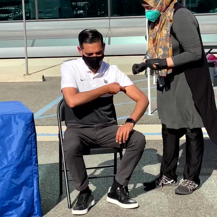 Long Beach has vaccinated its healthcare workers and nursing homes -- and has now started vaccinating those that are 65 and older, emergency personnel, and some essential workers.  Grateful for the partnership of @RobertGarcia.