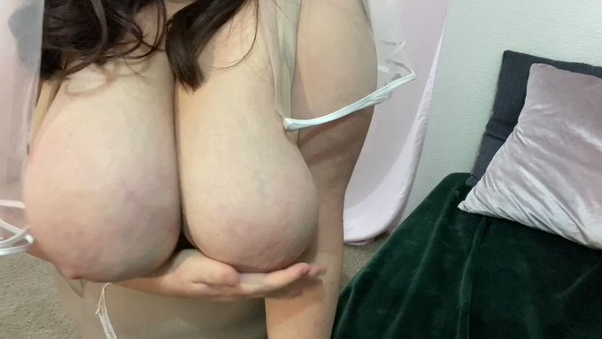 Sold my vid! Best Man Impregnates the Busty BBW Bride https://t.co/iai2OpRp1E #MVSales https://t.co/