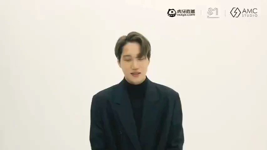 "[INFO] {210115}  ¡#KAI protagonizará la nueva temporada de Huya SM Super Idol League! Jugará FIFA y 和平 精英 (Game for Peace)  🐻: Hola, soy Kai de EXO ~ Está vez, jugaré ""Fifa"" y ""Game for Peace"".  (+)  #Jongin #카이 #EXO #MomentsWithKAI @weareoneEXO"