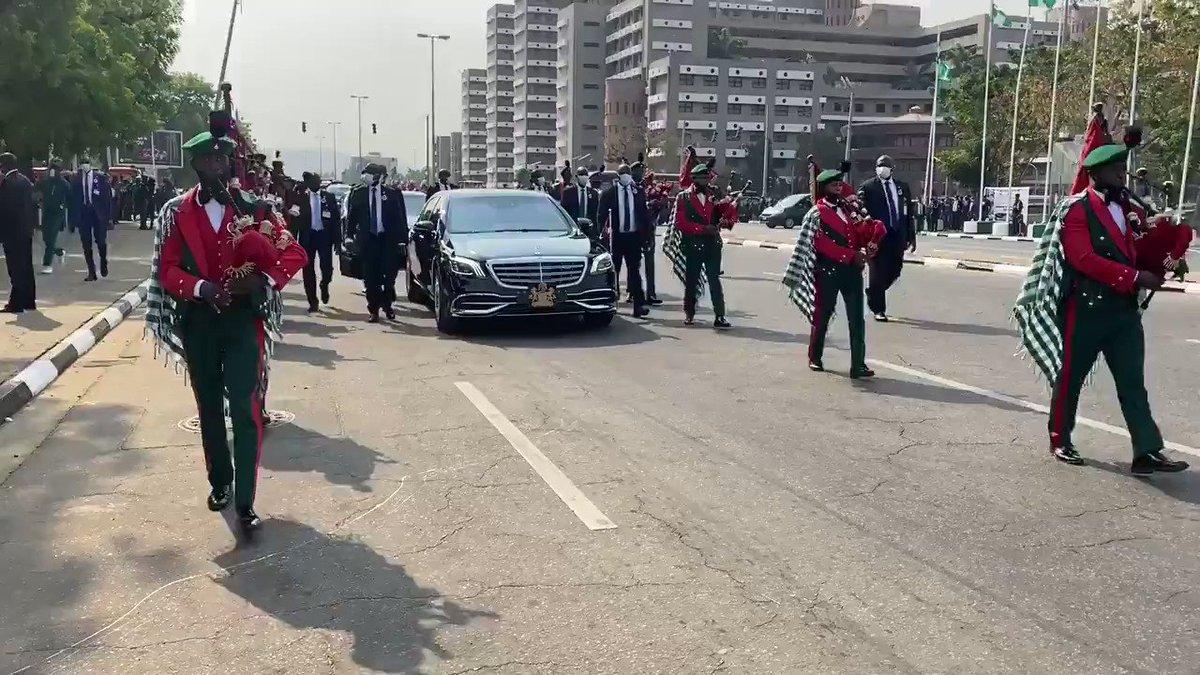 [REMEMBRANCE DAY]  #POFRON @NGRPresident @MBuhari arrives the National Arcade, Eagle Square, Abuja🇳🇬 for the Armed Forces Remembrance Day parade and wreath-laying ceremony.  #OurSafety  #ThankASoldier  #ArmedForcesRemembranceDay   @ProfOsinbajo @GarShehu @akandeoj @OfficialAPCNg