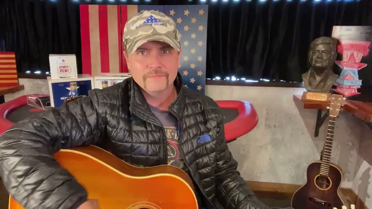 Replying to @johnrich: And now, some country music:)