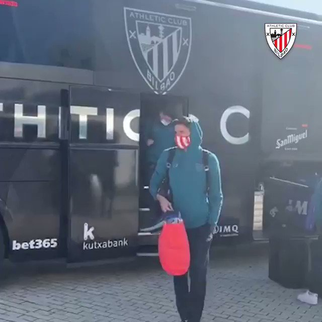 🚌 #AthleticClub are in Seville now!   🔜 Training this evening at 18:30 CET in @SevillaFC_ENG's Ciudad Deportiva.   #BarçaAthletic #Supercopa 🏆