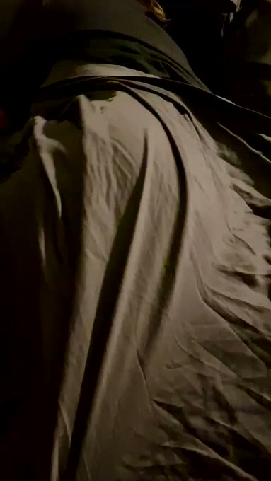 Would you want to take a peek? #32dddmilf #dirtytalk https://t.co/TVIYRXo7qS