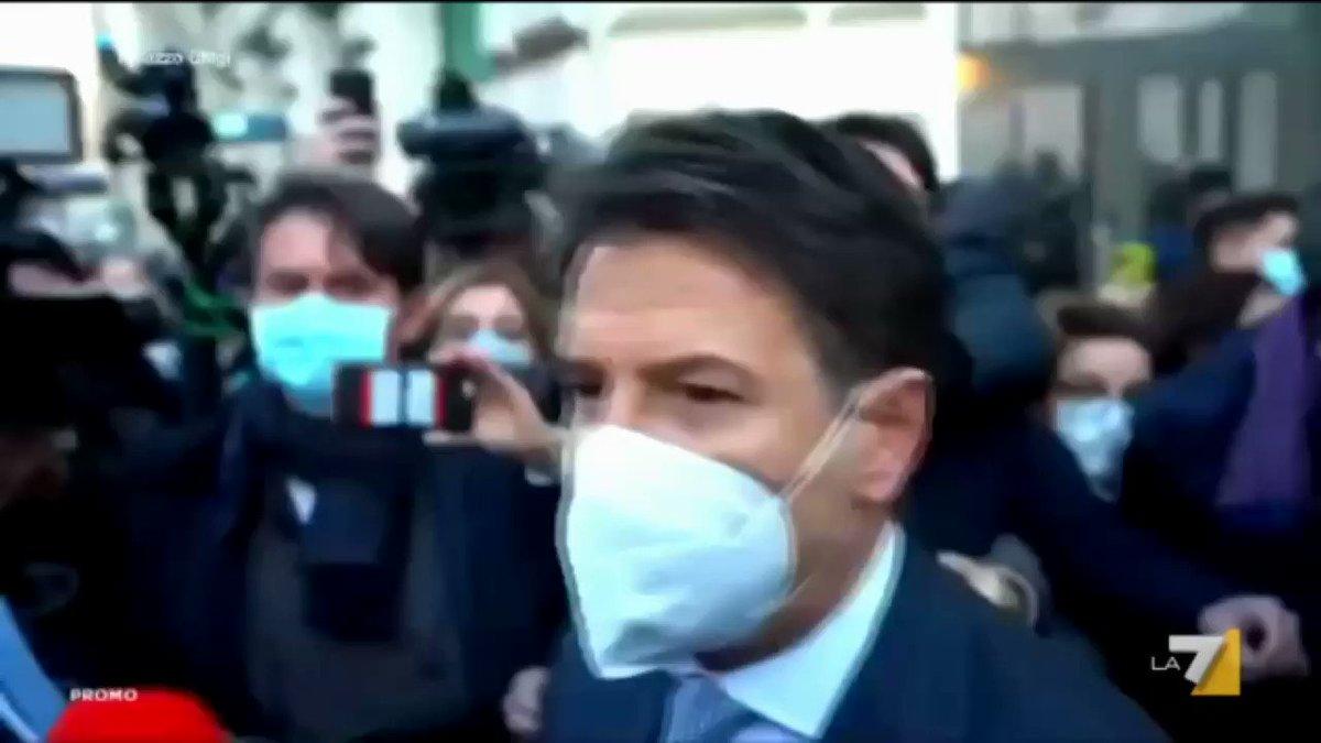 Domenica nuova puntata di @nonelarena con l'intervista di #MassimoGiletti al leader di @ItaliaViva, @matteorenzi: quale sarà l'esito della crisi di questo #Governo?  Dalle 20.30 su @La7tv #nonelarena #Giletti #La7 #crisidigoverno #Renzi #MatteoRenzi #ItaliaViva #Conte