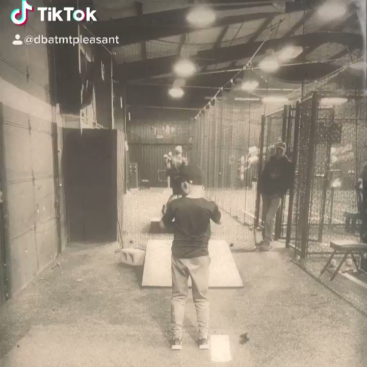 Working on #pickstofirst with some pitchers. Gotta control the run game! #dbatmp #thursdayvibes #baseball #RHP #LHP #pitchers