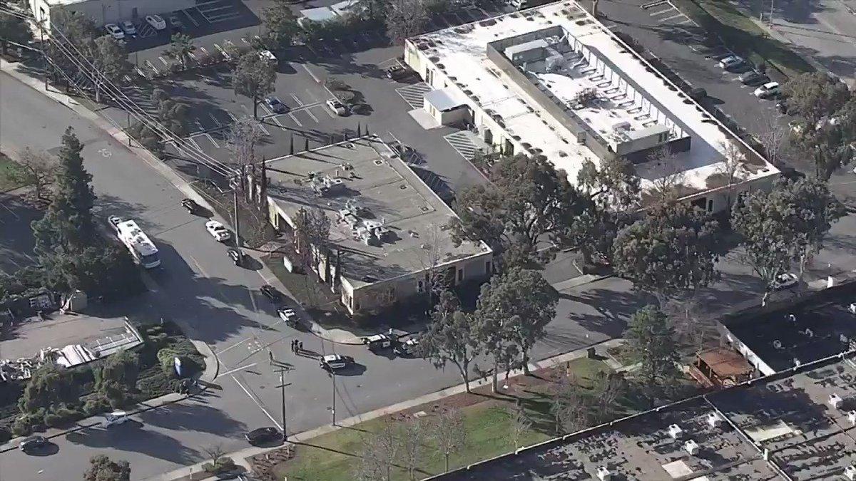 ÉTAT-UNIS 🇺🇸 : Un Bâtiment du campus Google à #MountainView évacué.  Les Autorités enquêtant sur un colis suspect. https://t.co/NRBqd6rrZv