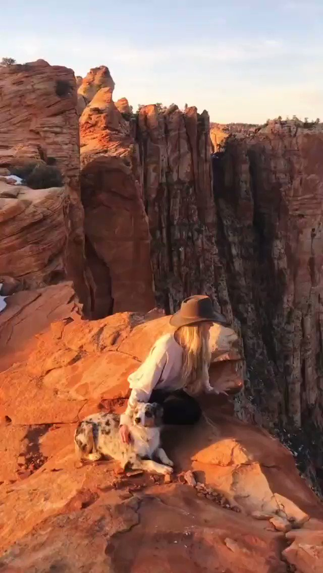 Sending out some Friday love! May your weekend be filled with smiles and great adventures!  🎦 El Capitan with Savannah & Luna #TGIF #NationalHatDay #NationalYouthDay #travel #explore #HikingWithDogs #doglover #dogs #naturelover #utah #hikingviews #sunset #nature