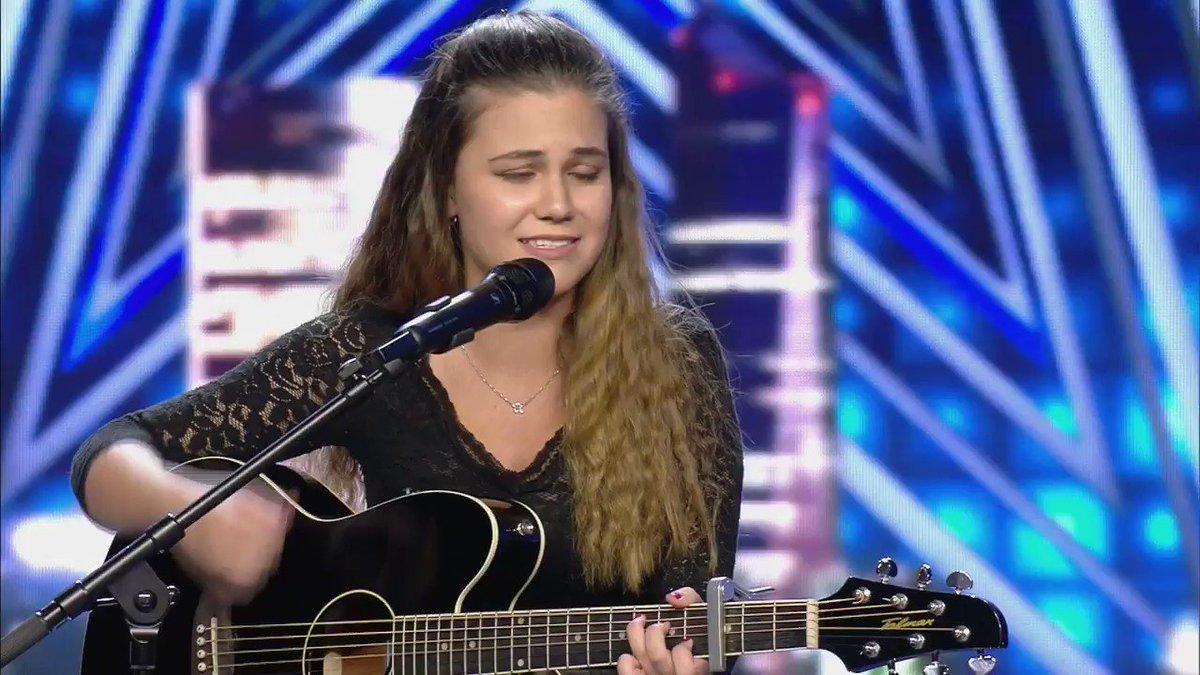 La actuación de Gisela, que canta para que su abuela recupere la memoria, nos ha enamorado ❤️ #GotTalentVuelve