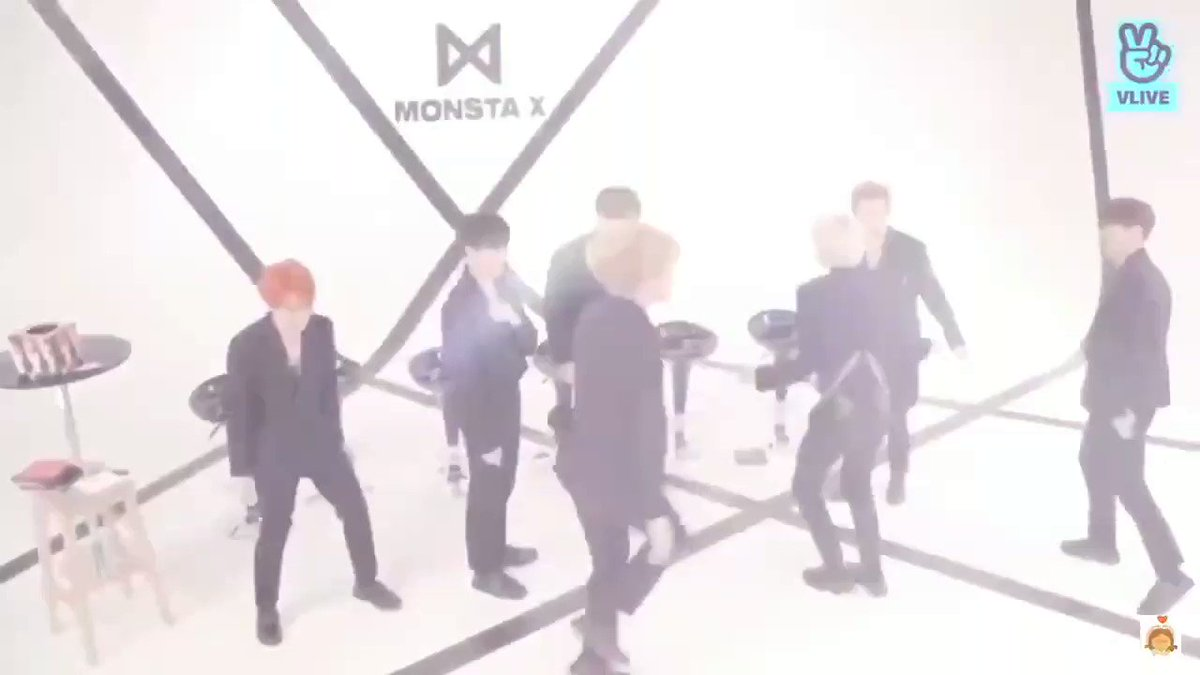 @Radiodotcom @OfficialMonstaX ITS A MOTHER FUCKING PARTAAAAAYY!!!!!! 🔥🔥🔥 @OfficialMonstaX  #HBDtoHYUNGWON  #형원이란_다정함이_내린_날 #NobodyElseButHyungwon