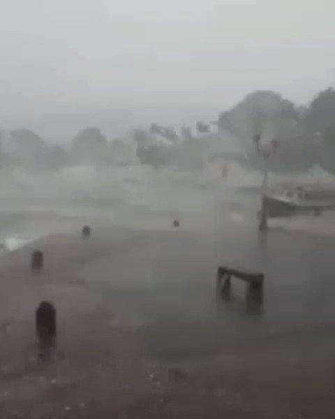 CHUVA DE VERÃO  Veja o que aconteceu hoje a tarde na Ilha de Paquetá 😮