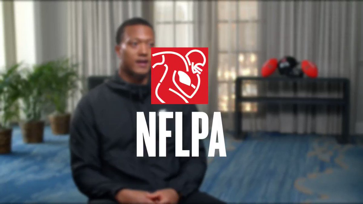For @isaiah43_18 the NFLPA Externship program was a chance for him to expand his skills off the field. He worked with @Fin_Finesse to learn more about credit & by the end of the week was teaching seminars 🤯 Start your externship experience here: .