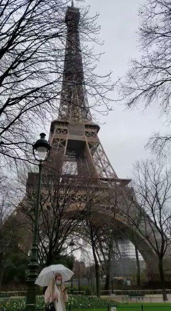 Por Amor A Ustedes de @ANAGABRIELRL sonando fuerte debajo de la Torre Eiffel en Paris 🥳 #ElSinaloense #Video