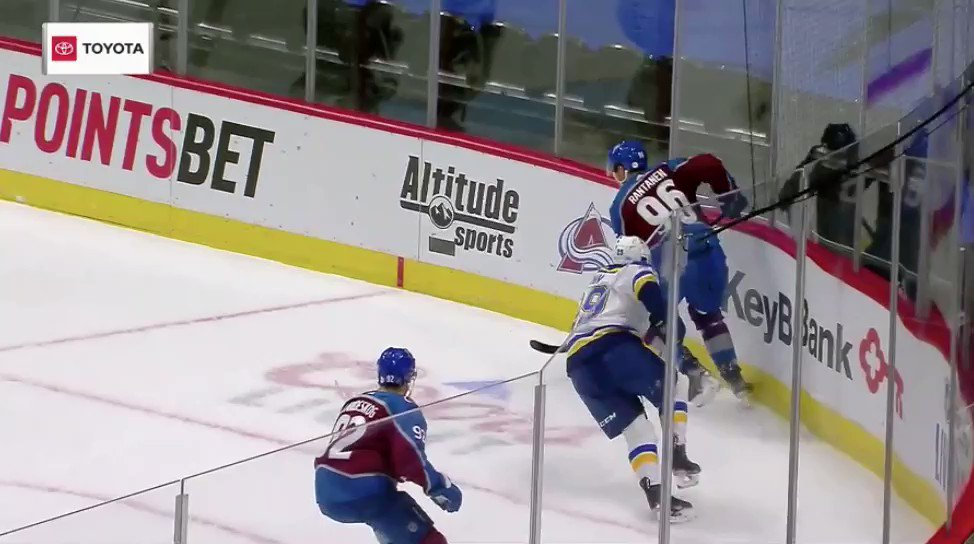 This pass by Mikko Rantanen