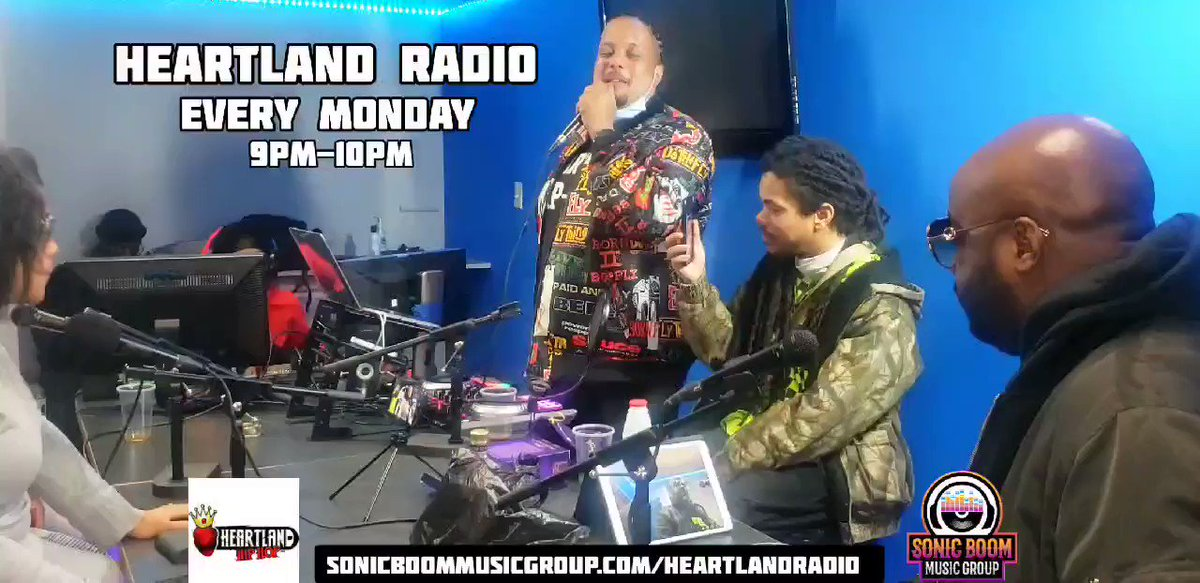 Multi Platinum Producer @AMRHANKYBEAT dropped gems on Heartland Radio with @bdiddydollars last Monday 🔥 Tune in and see why the show has become the hottest Indie radio show in Atlanta 📡💣