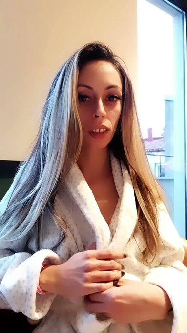 Hey hey ❤ #smallboobs #skinny #blonde #sexy https://t.co/O6TmJefhw2