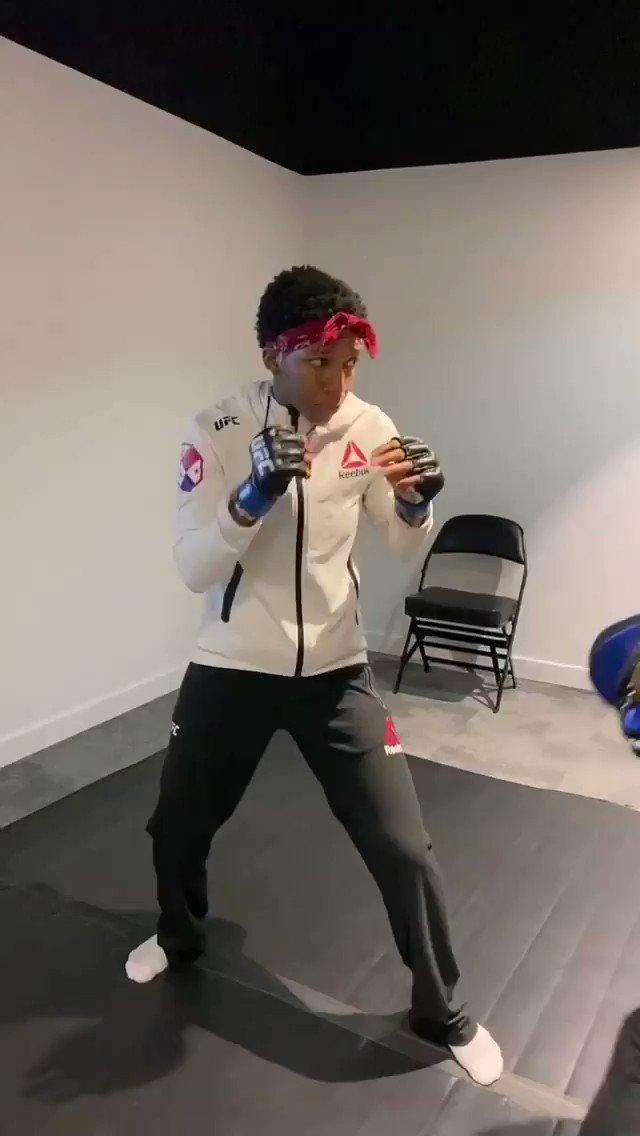 ¡VAMOSSSSSSS 🇵🇦🇵🇦🇵🇦!  La panameña Joselyne Edwards está más que lista para su debut de hoy en la UFC.👊🏼  Pronto arranca su combate ante la china Wu Yanan.  La transmisión va por ESPN Play.  #UFCFightIsland7    📹 @UFCEspanol