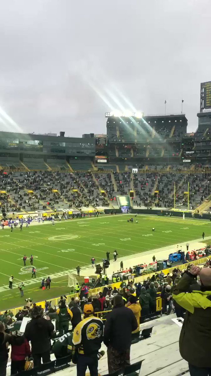 It's loud, we gotchoo #Packers fans! #LARvsGB