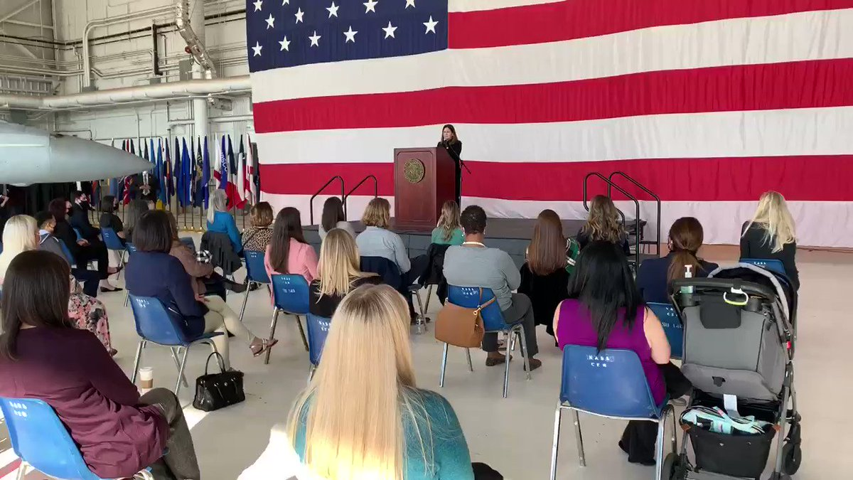 Great to speak with military spouses at @Lemoore_nas and to pay a debt of gratitude to our home front heroes! Thank you for your invaluable contributions to our nation! 🇺🇸❤️