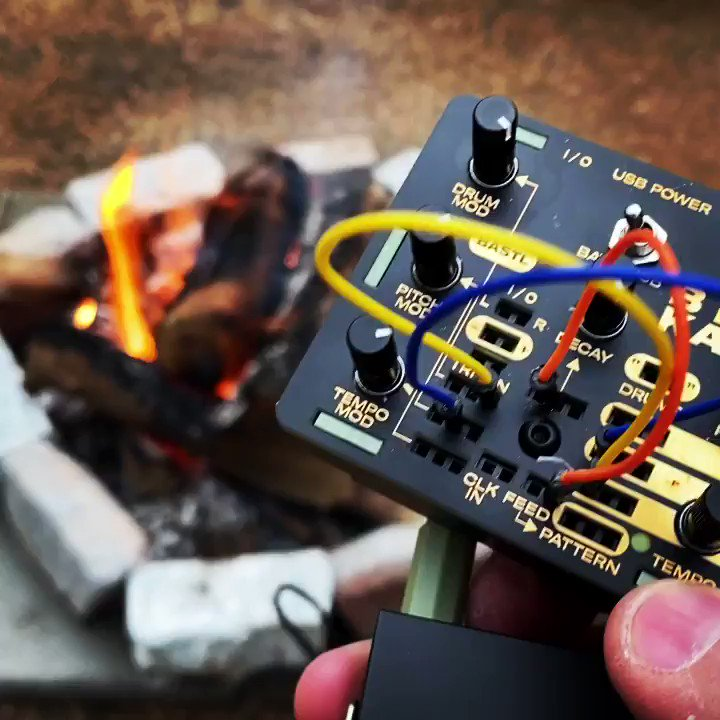 self-care with beep boop space-cube friend and fire for friends (faint kid-squeals in the distance)  #bastlchallenge #fire #kastledrum @bastlinstrument #beepboop #sound #outside #rosserheights #friend #space