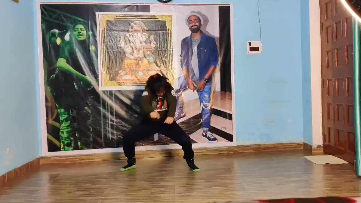 This is for u @TheRaghav_Juyal sir big fan of u #bahuthuasammaan @teamraghavjuyal @imsanjaimishra @raghavjuyalfan @RaghavJuyalOffi #RaghavJuyal #sanjaymishra #Slowmotion #Dancer pls show some love ❤️